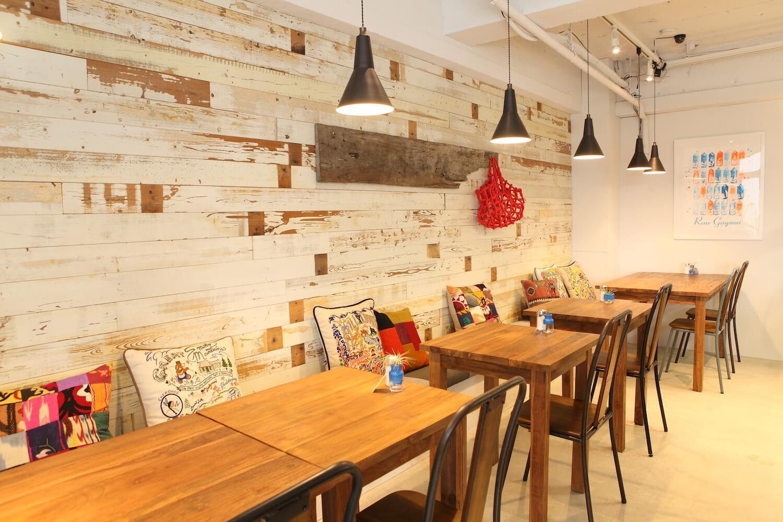 IMG_2462 カフェの店舗デザインでお悩みの方必見|カフェのデザインを種類別に紹介