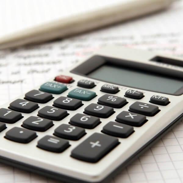 店舗改修の費用を仕訳する際の勘定科目に関するポイントをご紹介します!