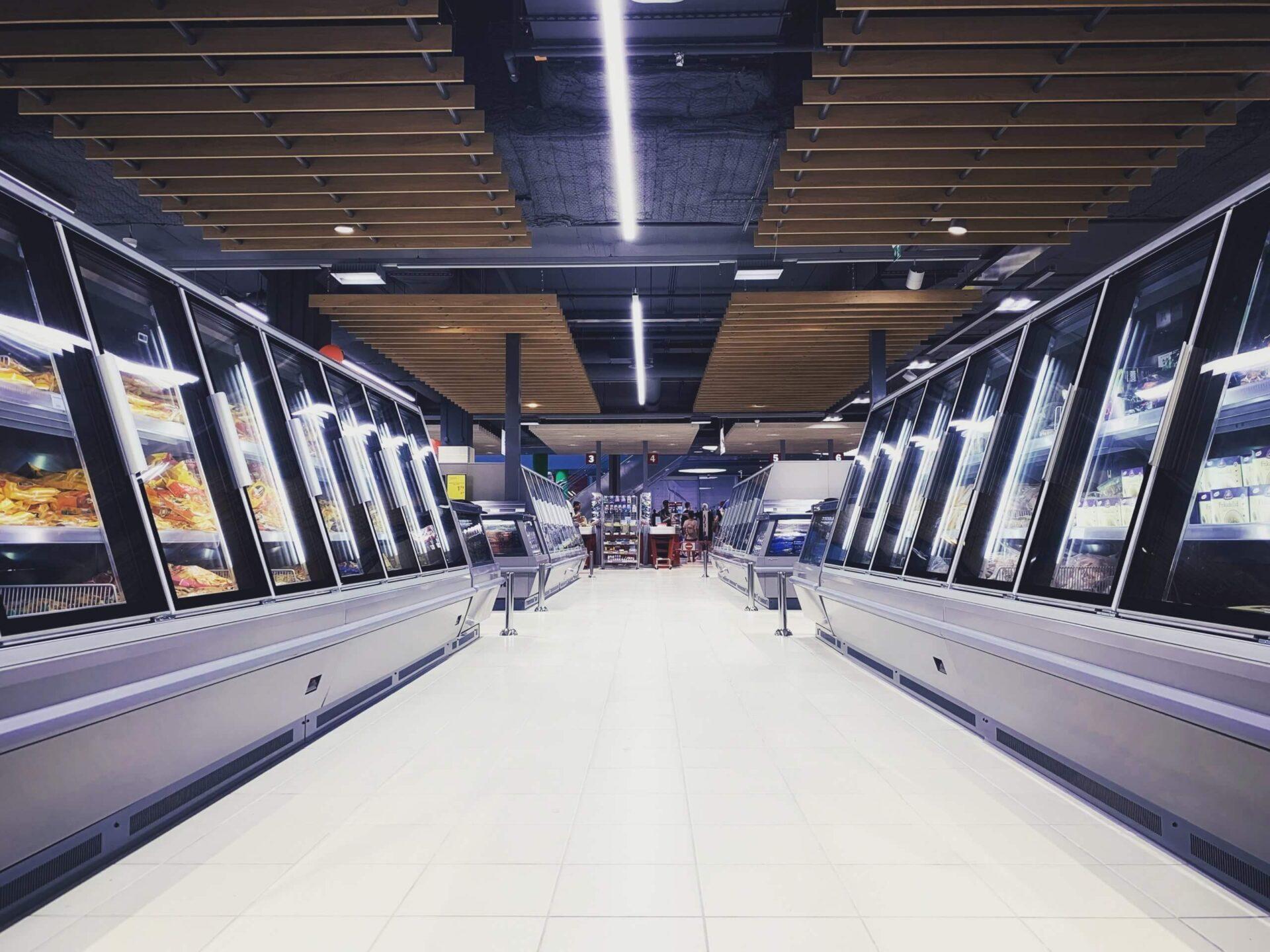 ilja-freiberg-FWRnXmQQV8U-unsplash-scaled 店舗デザインをお考えの方へ|効率を上げる飲食店のレイアウトとは