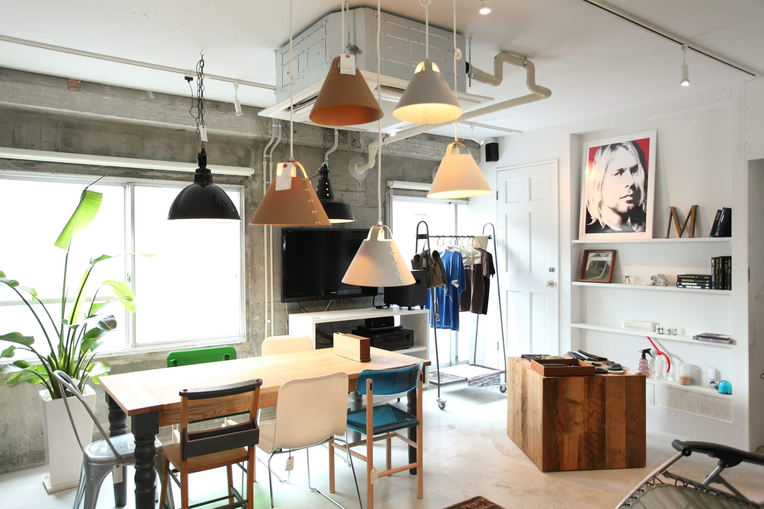 IMG_2931-scaled 照明が店内の雰囲気を変える?照明の店舗補修をしよう!