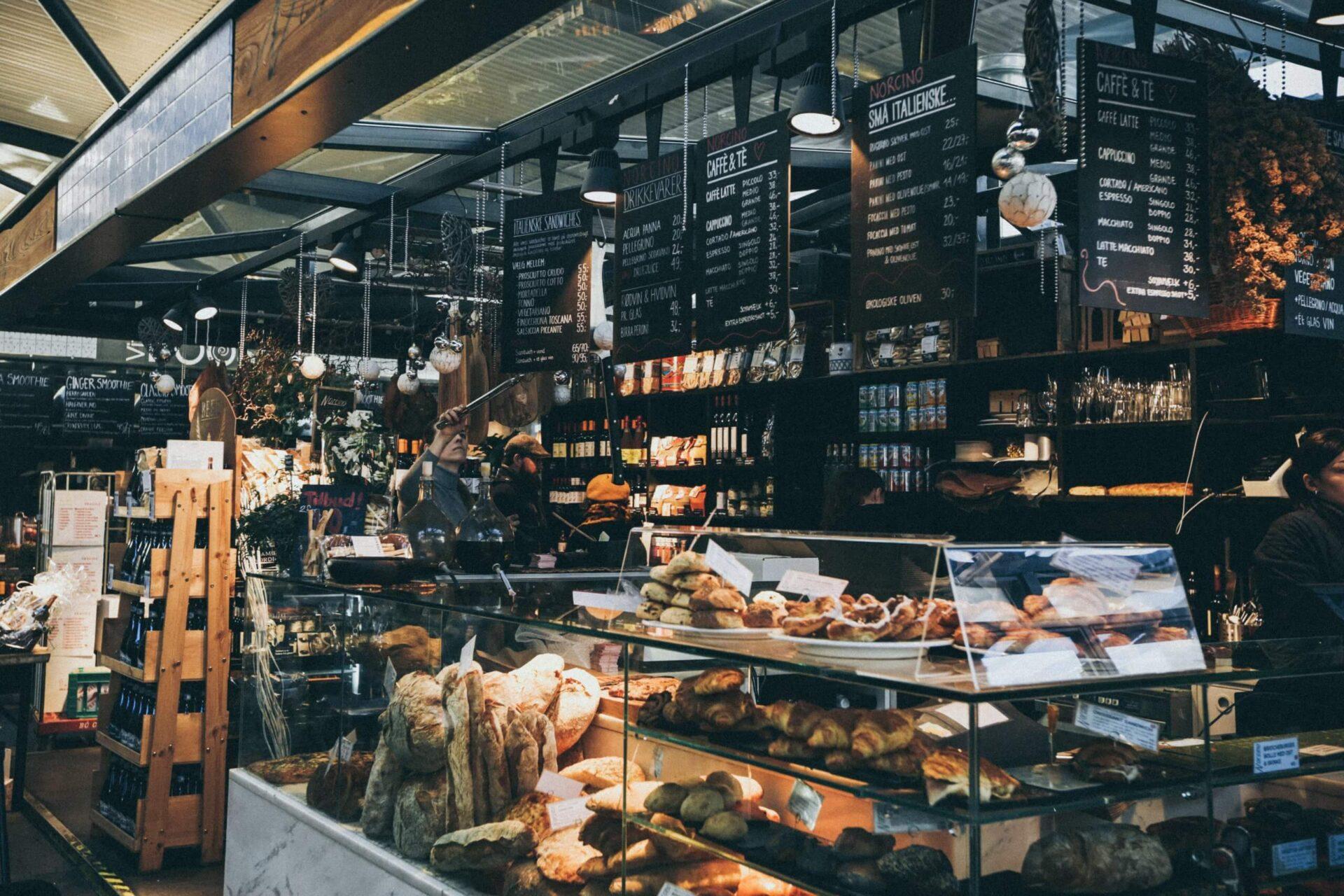 nick-karvounis-jN_M0McVNeI-unsplash-scaled パン屋を開業予定の方へ!店舗デザインはどうする?