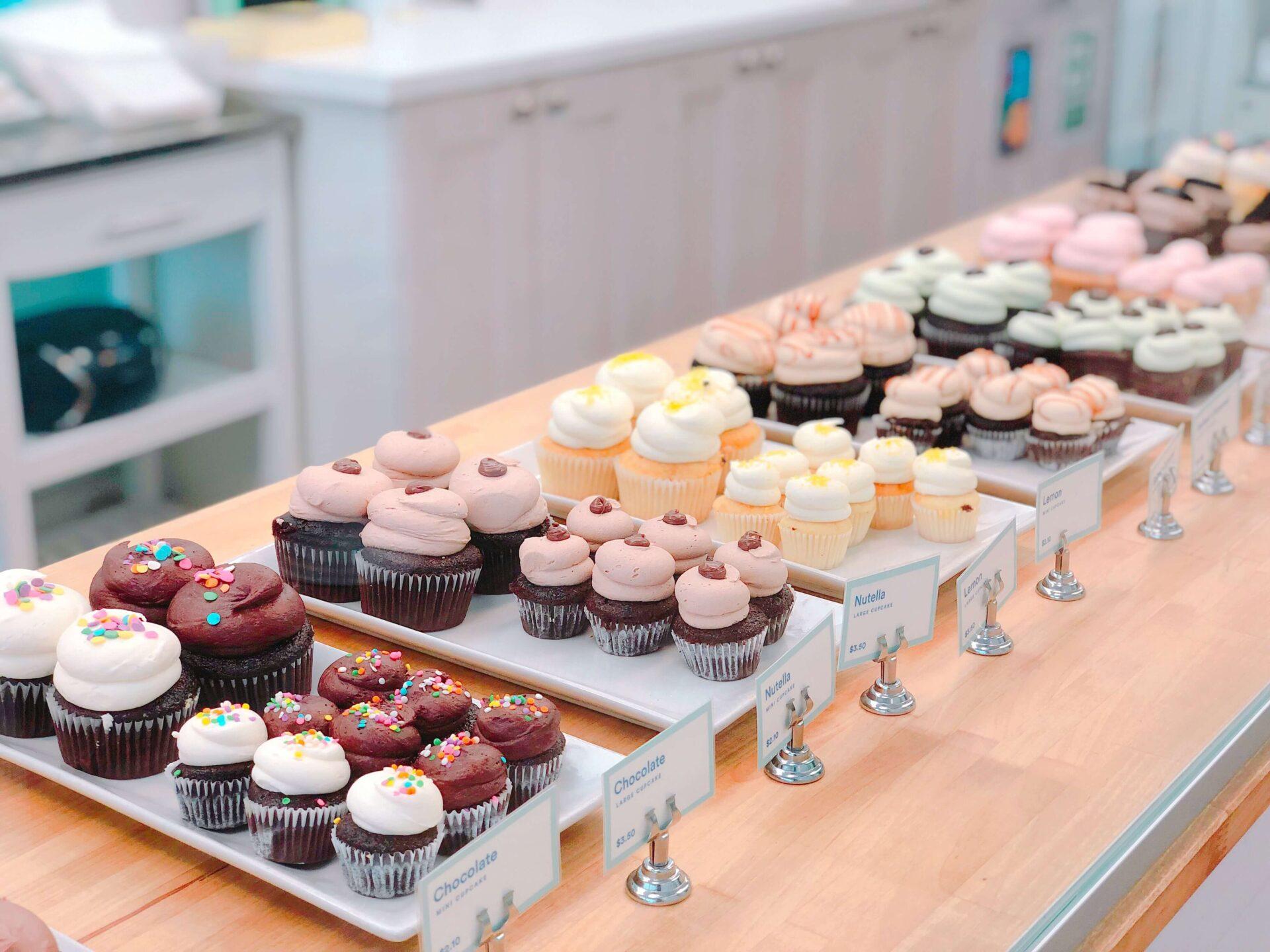 hanh-nguyen-j6DH45Bflho-unsplash ケーキ屋の店舗デザインをご検討している方に向けてポイントをご紹介します!