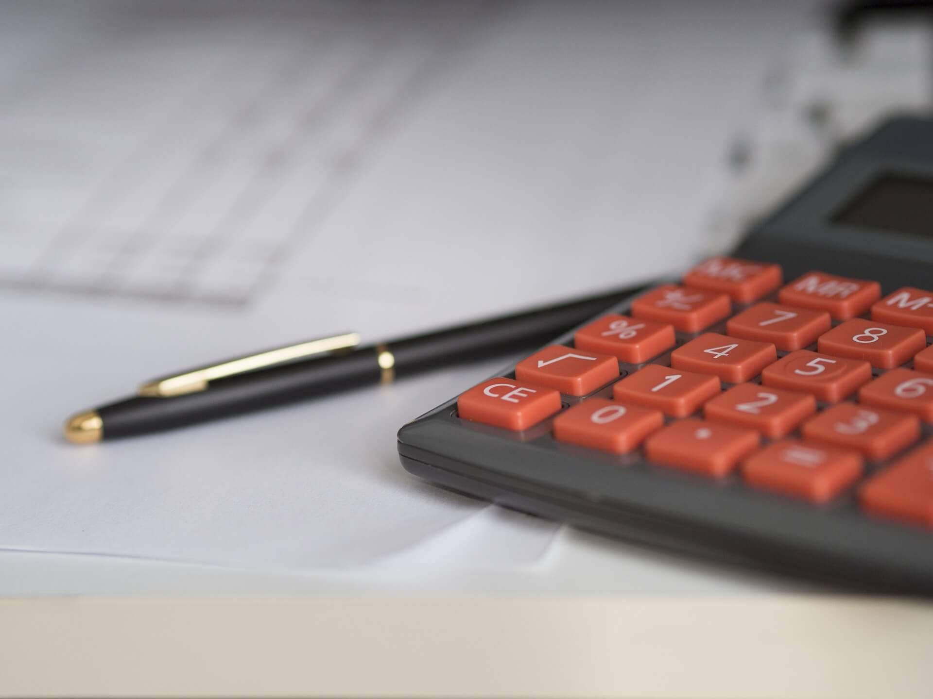 business-861325_19201 リフォームした場合は修繕費で計上可能!内装工事に関する勘定科目も併せてご紹介!